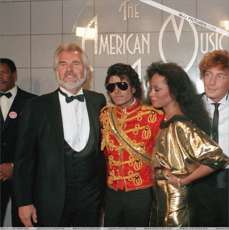 barry manilow images Backstage At The 1984 American Music Awards 797x800