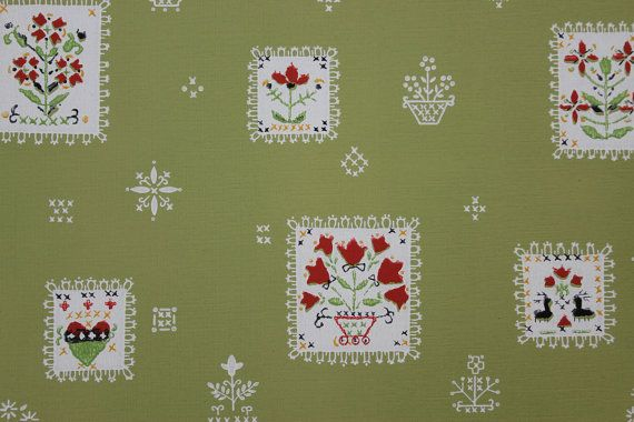 Red Flower Patchwork on Green Vintage Wallpaper  Made in England 570x380