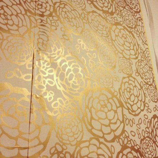 temporary wallpaper Jess Lively 550x550