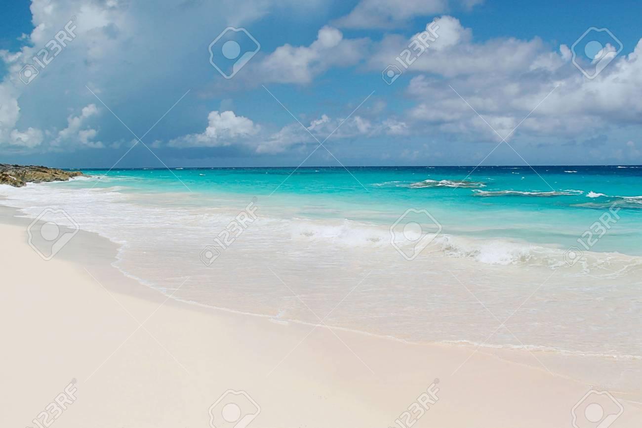Bermuda Turquoise Water Of The Atlantic Ocean Fantastic View 1300x866