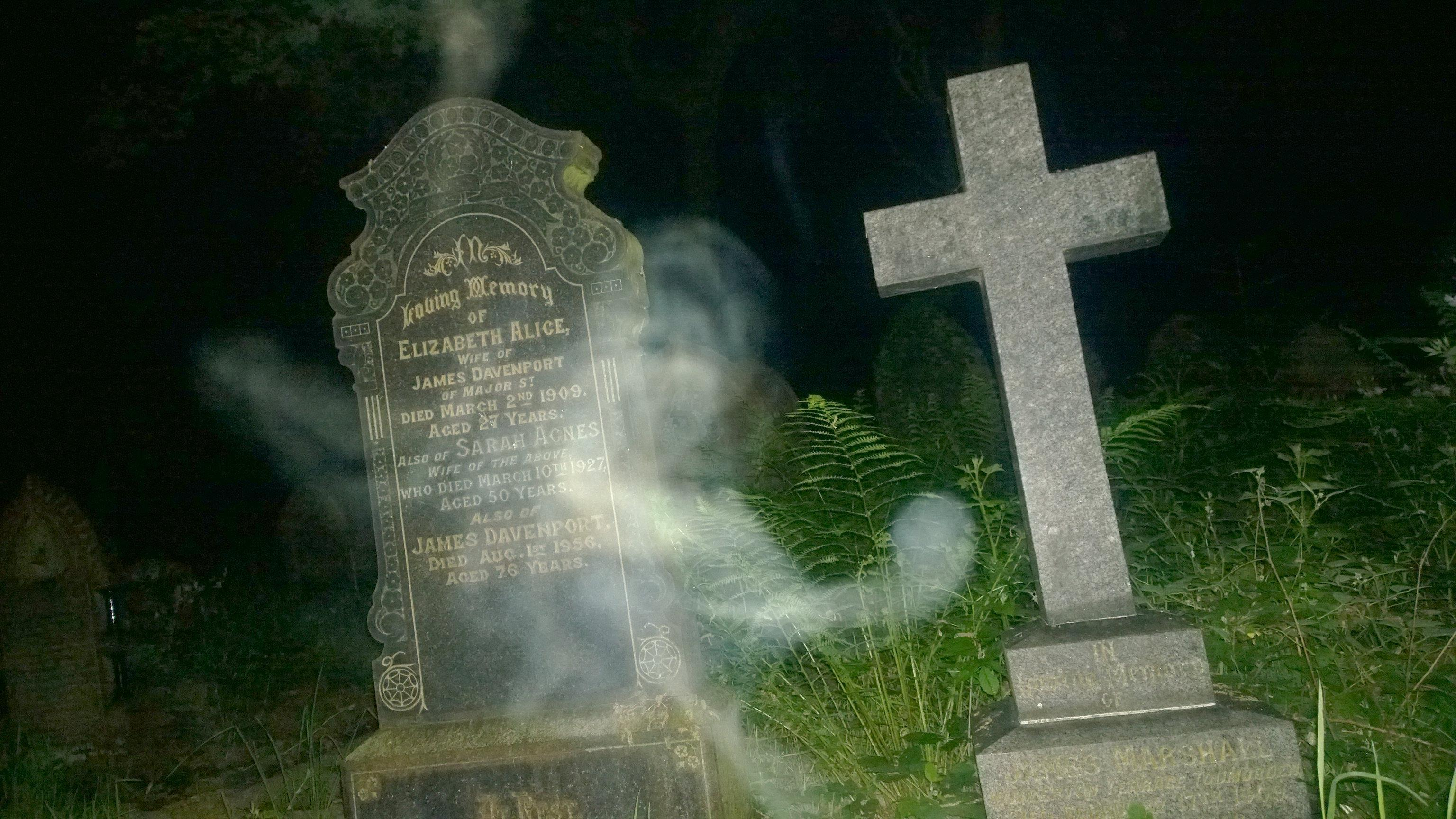 Spooky photo claims to show GHOST of dead woman hovering over her 3072x1728