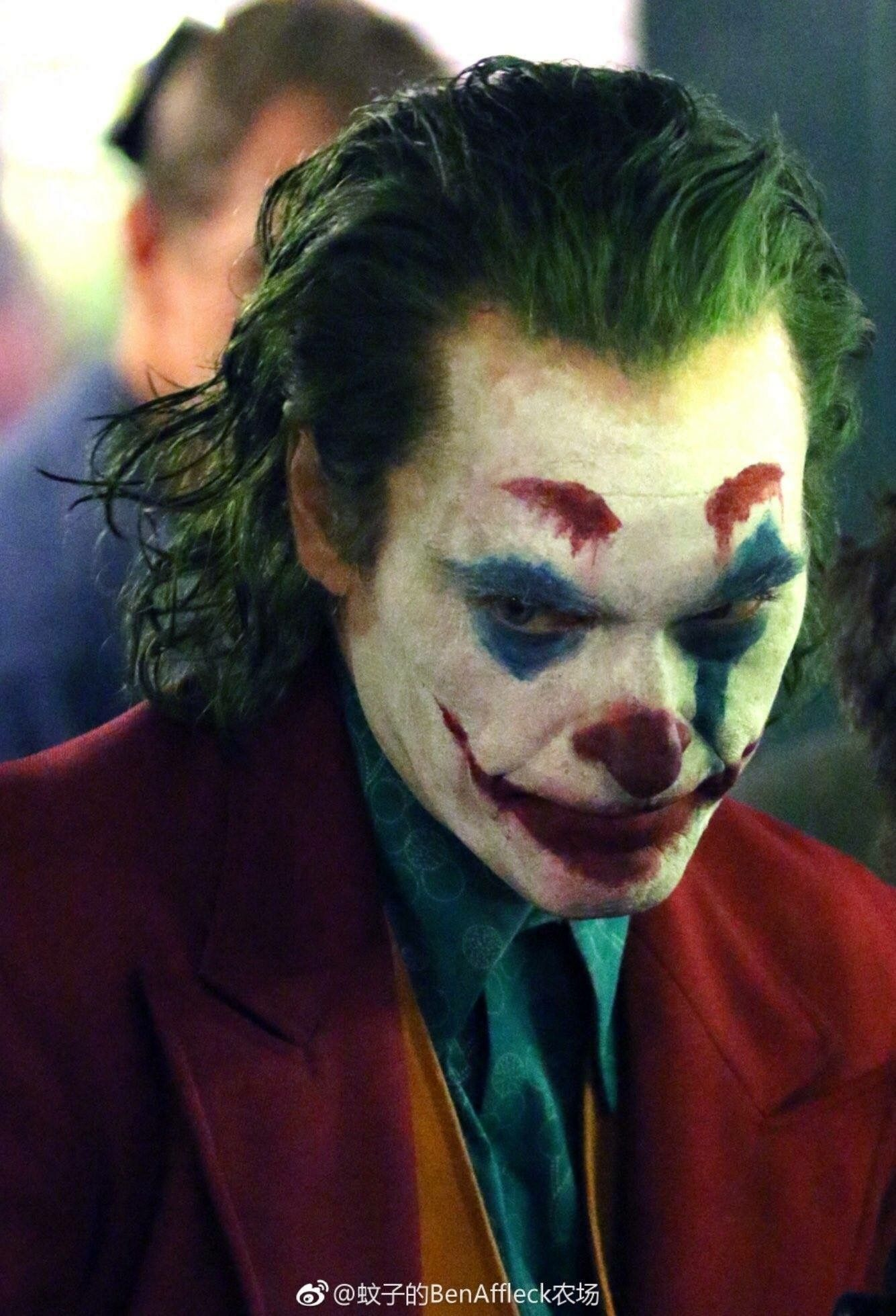 16 Joaquin Phoenix Joker Wallpapers On Wallpapersafari