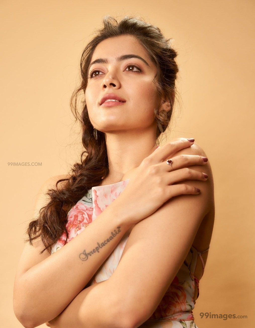 [75] Rashmika Mandanna Beautiful HD Photos Mobile Wallpapers 1025x1316