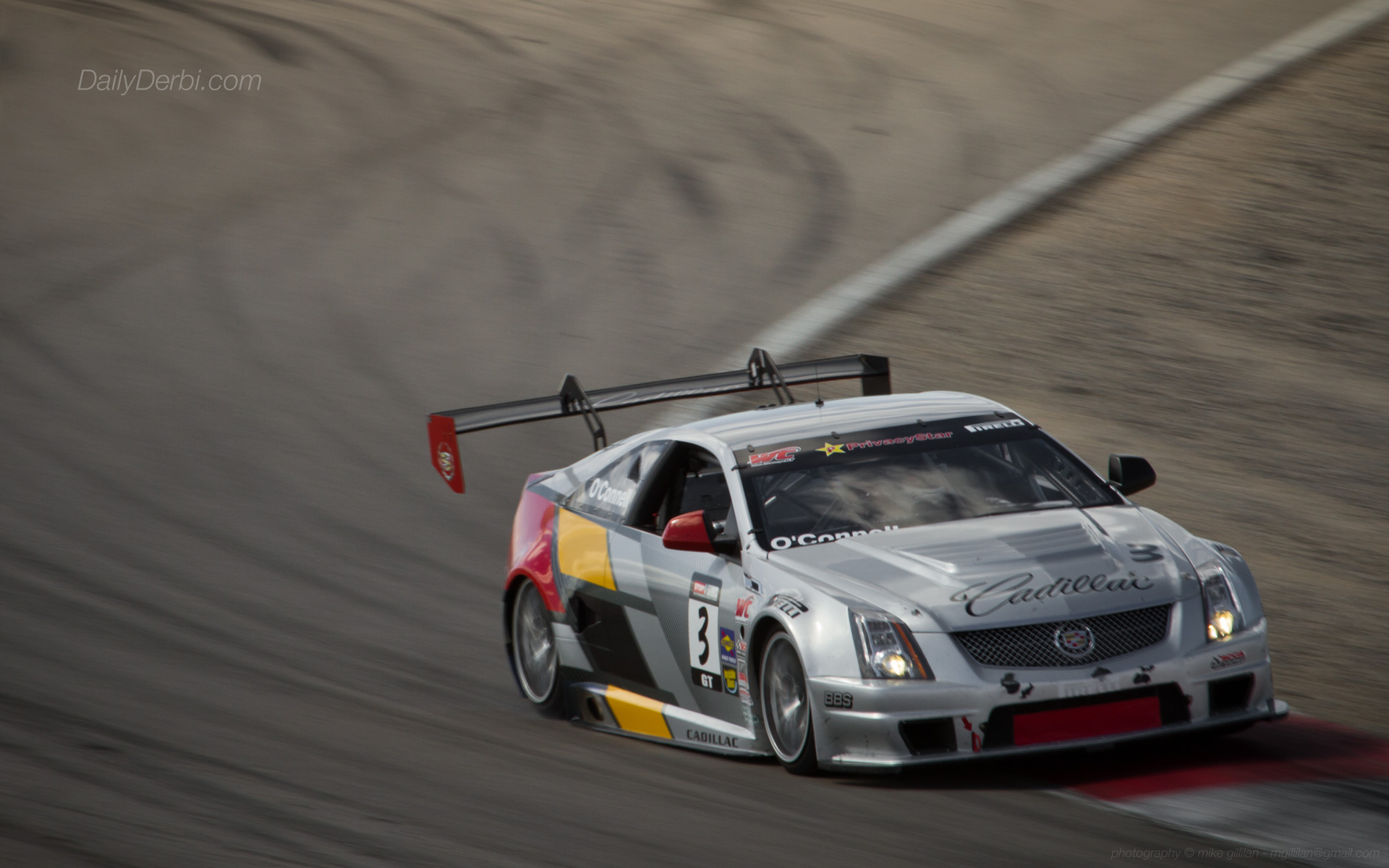 Weekend Wallpaper Cadillac CTS V Coupe Race Car The Daily Derbi 1920x1200
