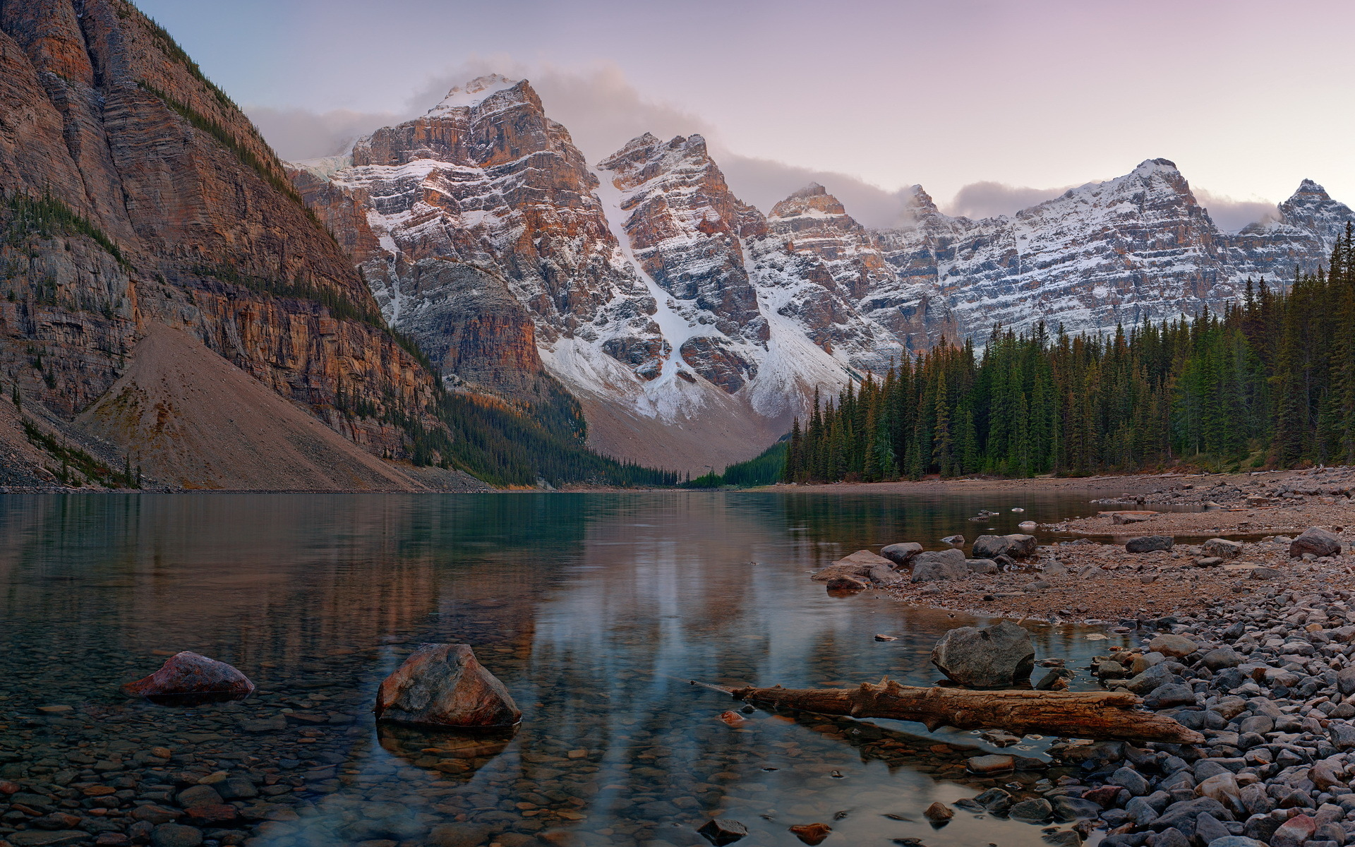 High resolution image of Banff National Park picture of Moraine Lake 1920x1200