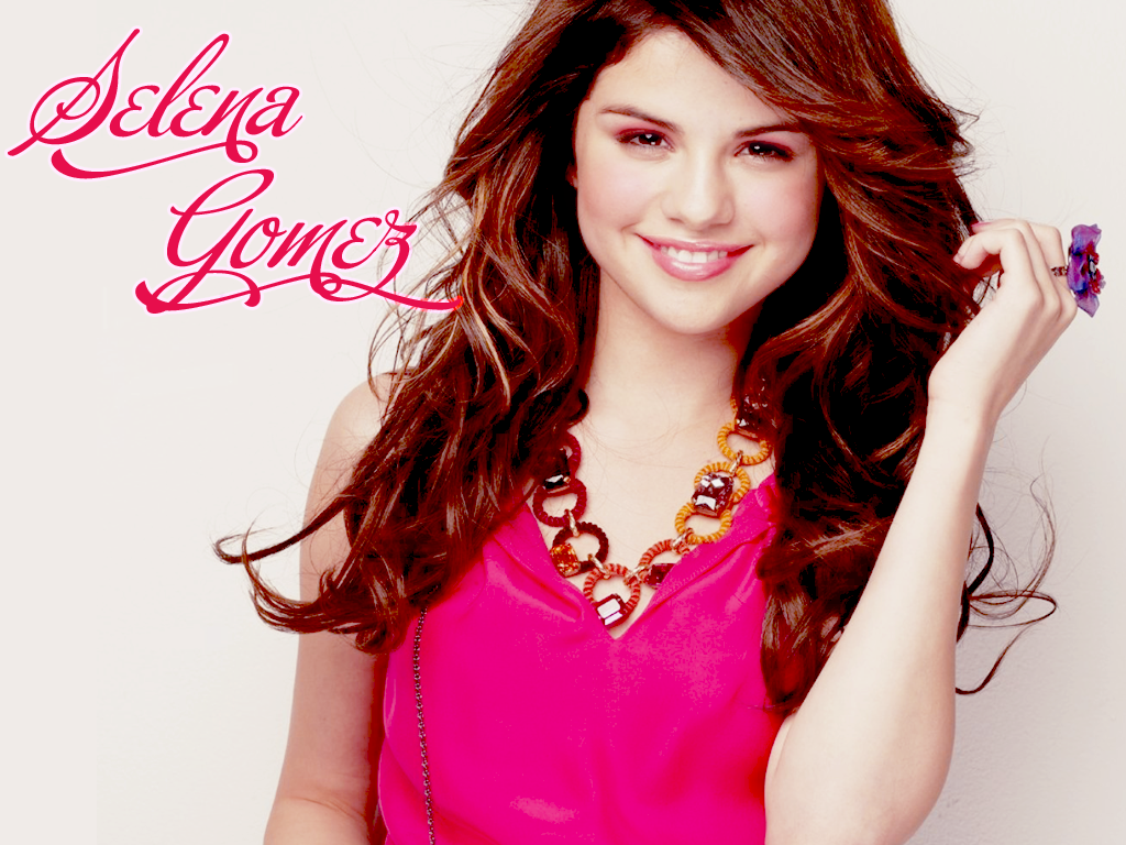 Selena Gomez Hot Wallpaper 1024x768