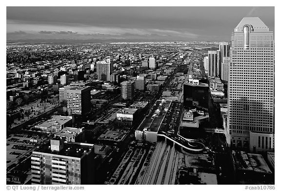 Black and White PicturePhoto Wintry view from Calgary Tower Calgary 576x392