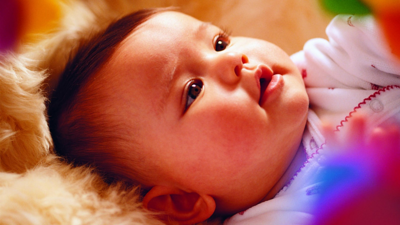 Cute Baby Wallpaper HD Pictures 2013 1600x900 pixel Popular HD 1600x900