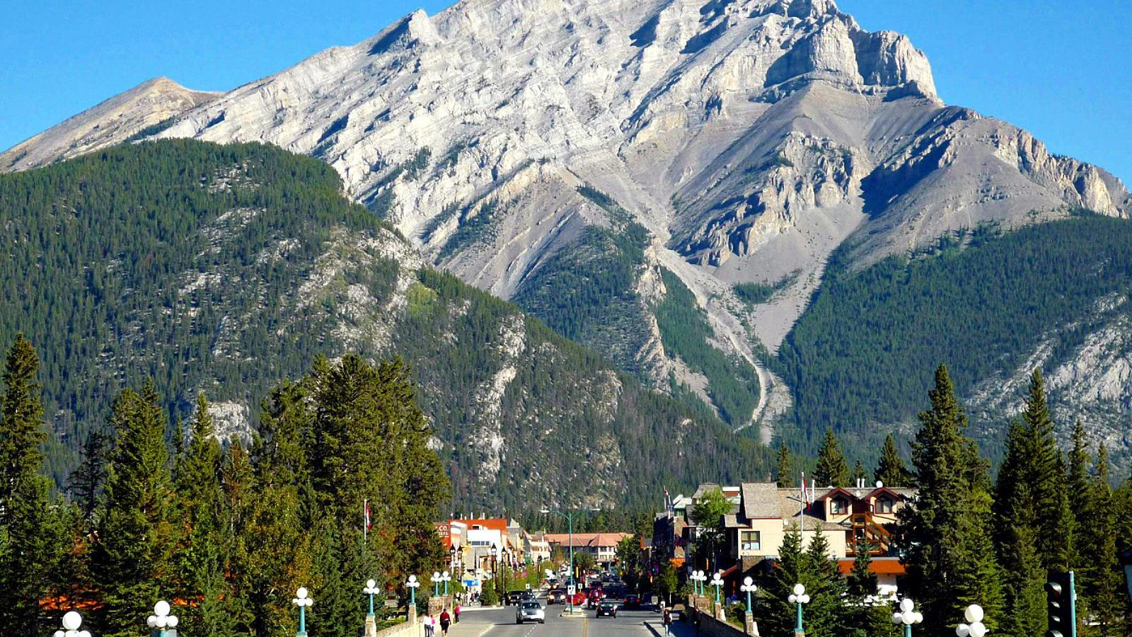 of banff alberta   149520   High Quality and Resolution Wallpapers 1600x900