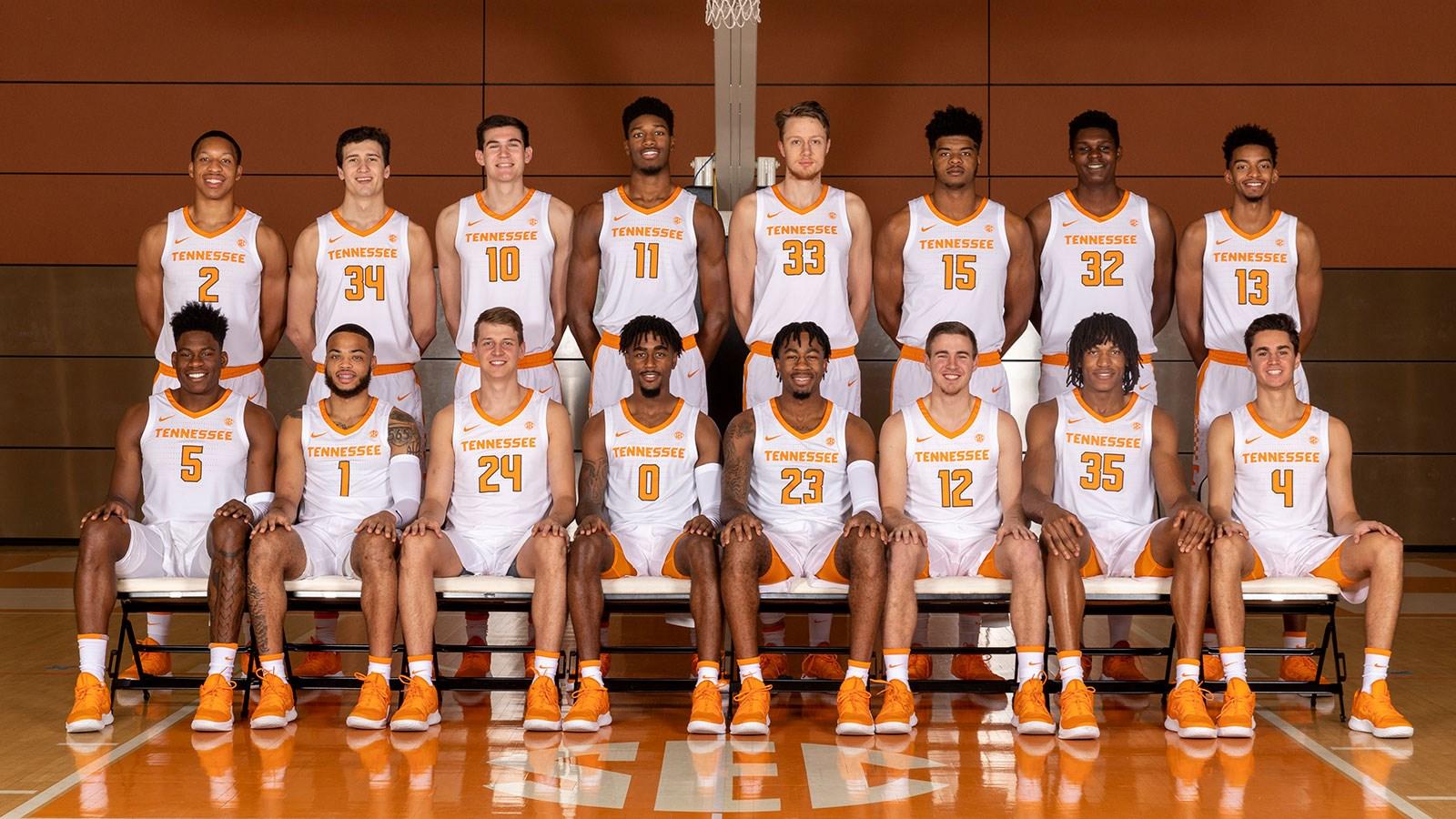 puc mens basketball team - HD1600×900