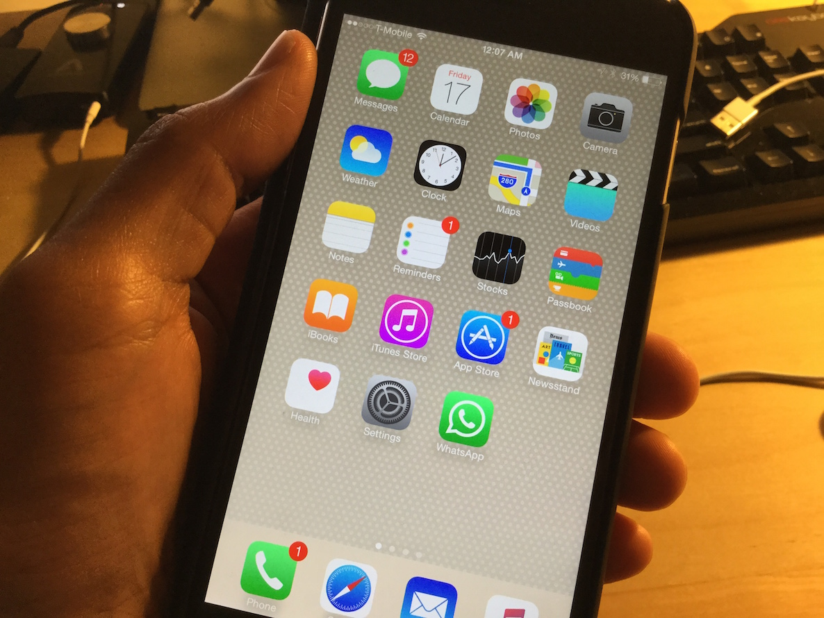 Download the new iPod touch 6th generation wallpapers 1186x890