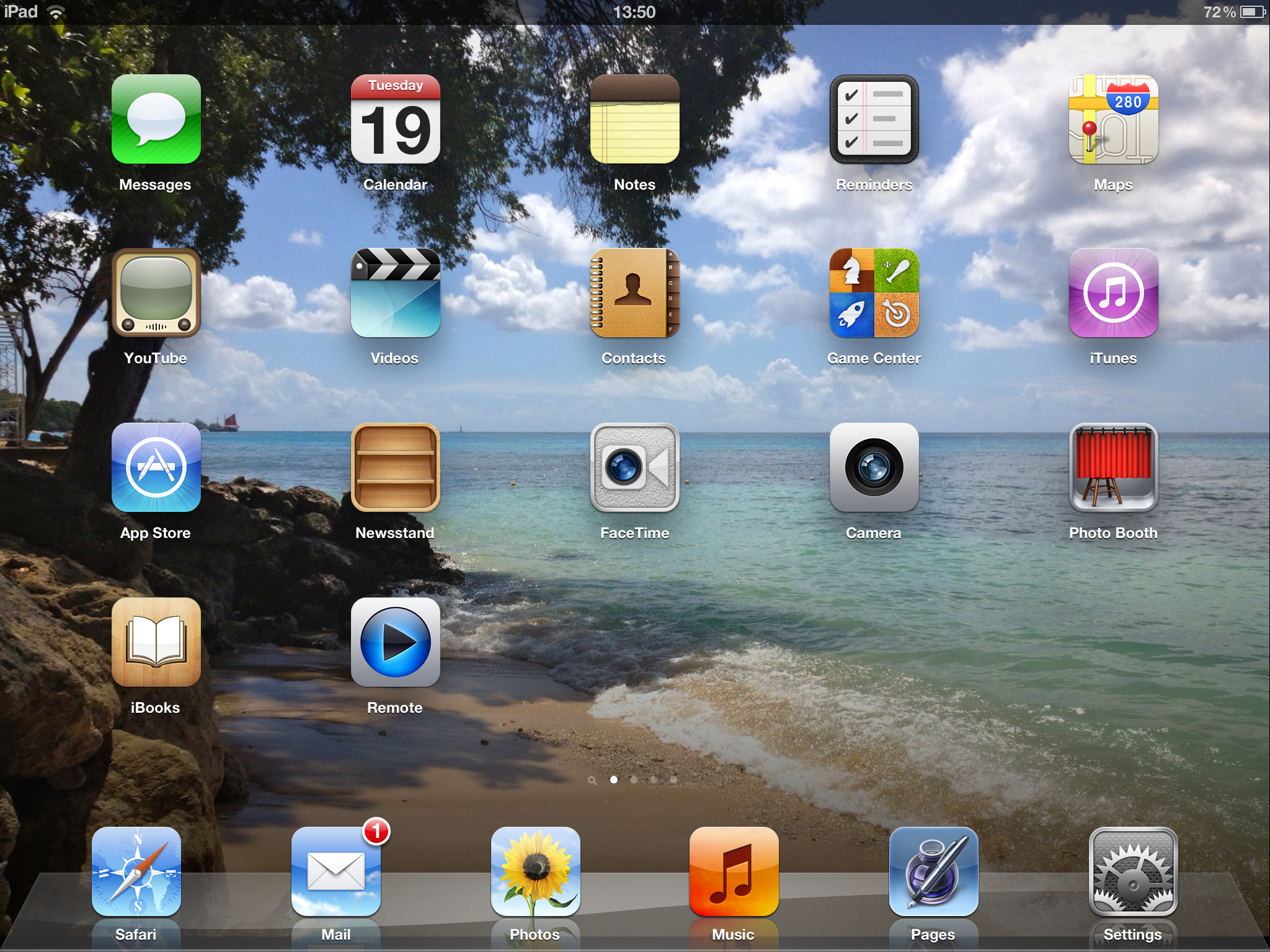 Easy Ways to Change the Home Screen Background on an iPad 2048x1536