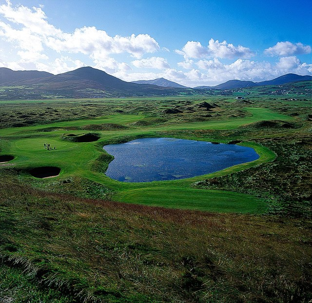 Golf Course in Ireland Wall Mural Small contemporary wallpaper 640x622