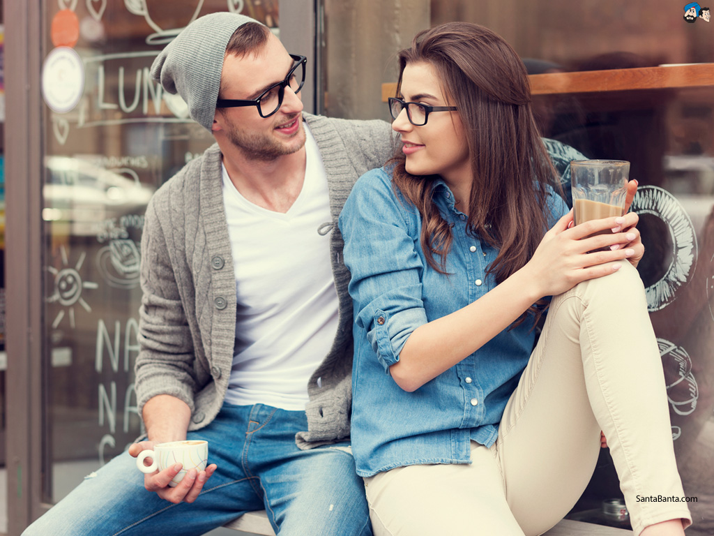 400 Koleksi New Romantic Couple Wallpaper Gratis Terbaik