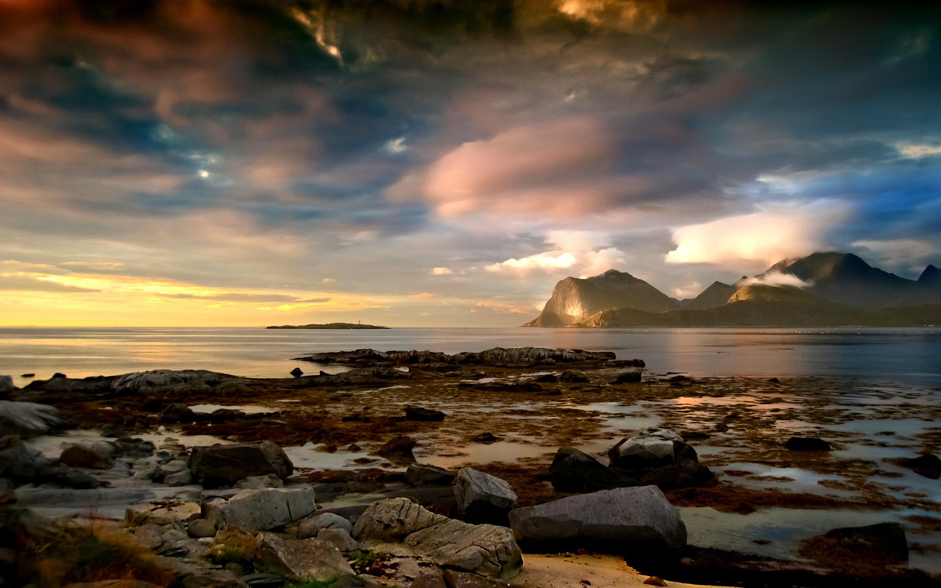 Pics Photos   Wallpaper Night Seascapes Desktopia 1920x1200