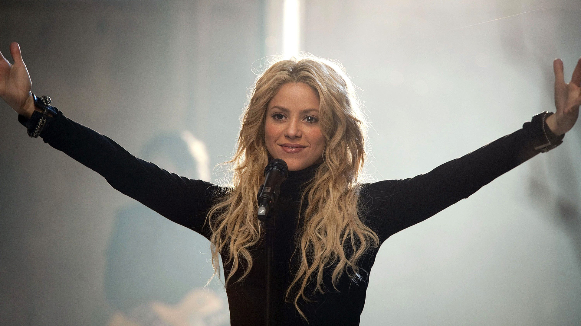 Shakira Wallpaper 1920 x 1080 - WallpaperSafari