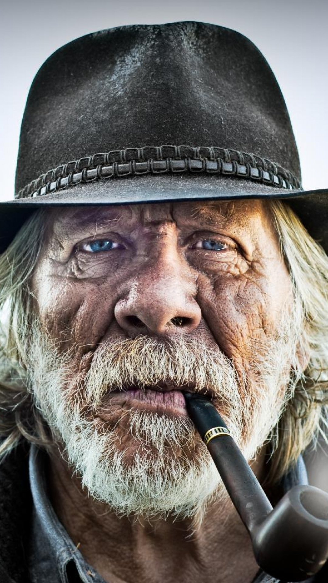 Download Wallpaper 1080x1920 old man portrait pipe hat Sony Xperia 1080x1920