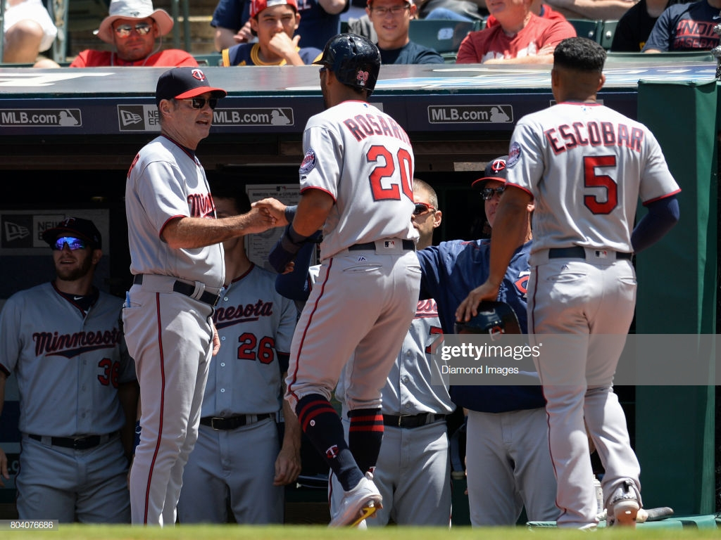 Manager Paul Molitor of the Minnesota Twins greets leftfielder 1024x768