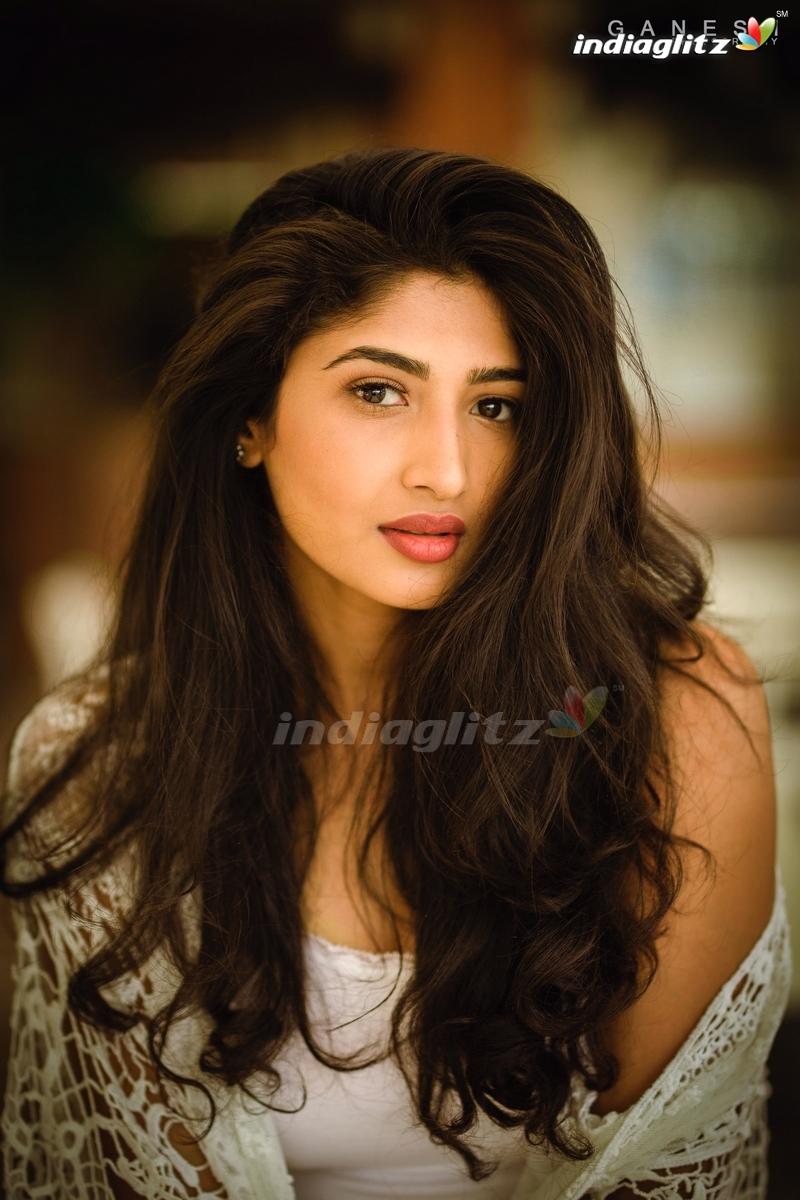 Roshini Prakash Photos   Tamil Actress photos images gallery 800x1200