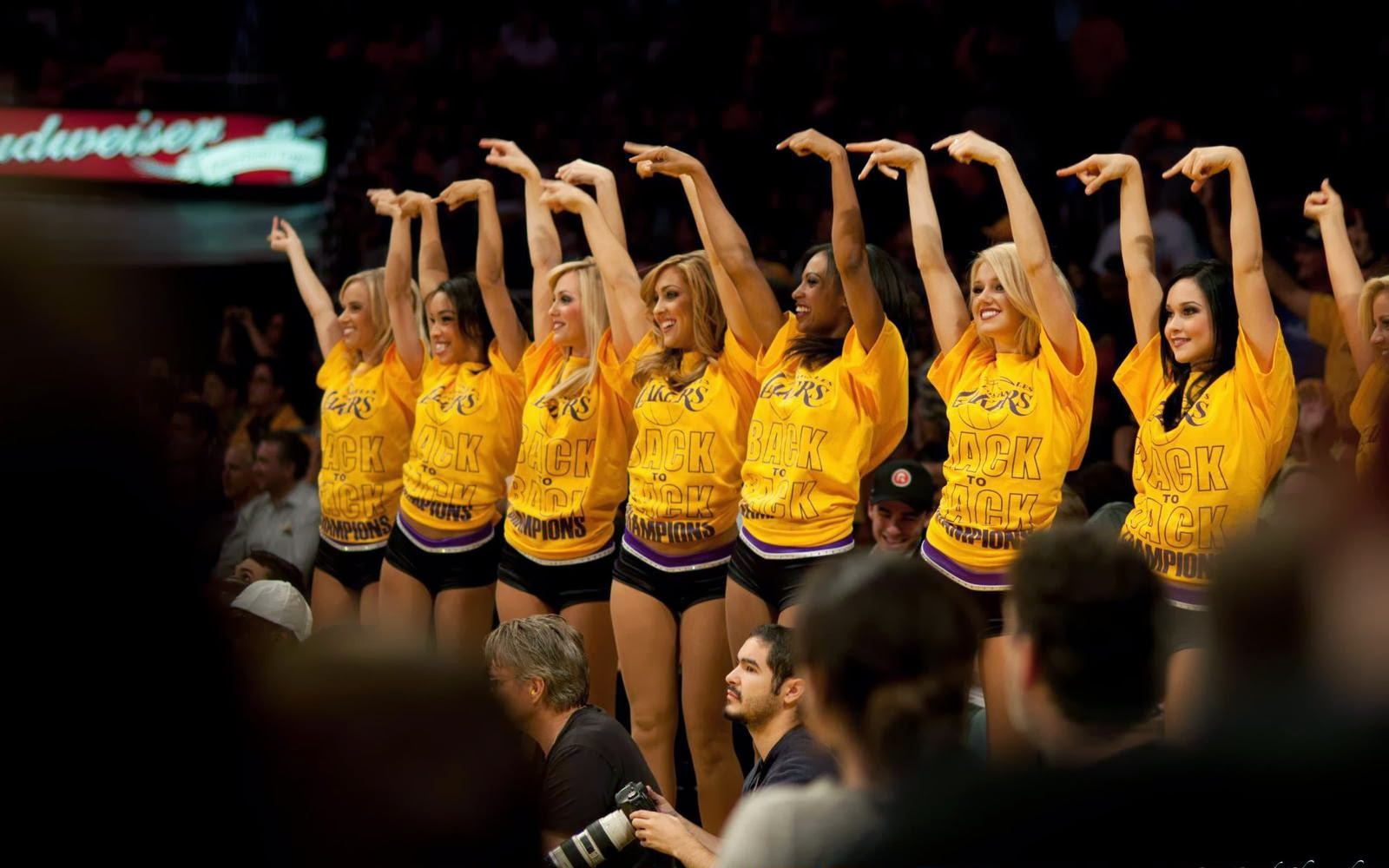 Lakers Wallpaper Picture Image Photo   lakers wallpaper picture image 1600x1000