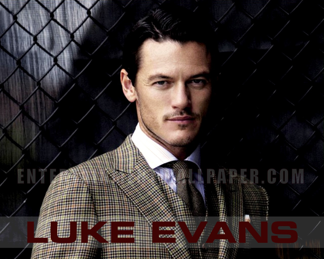 luke evans wallpaper 30039245 size 1280x1024 more luke evans wallpaper 1280x1024