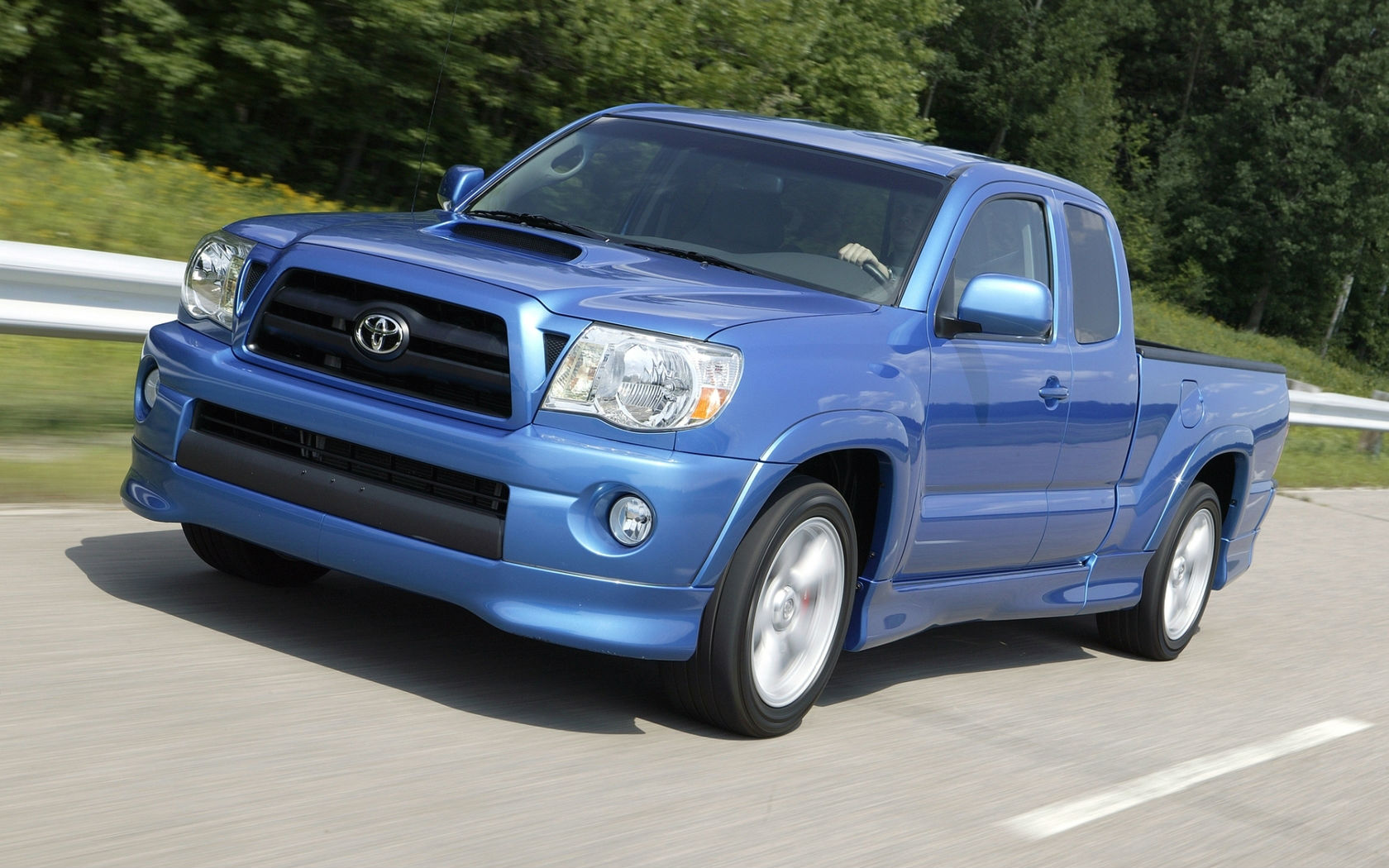 Toyota SUV Car Wallpaper 1680x1050 1680x1050