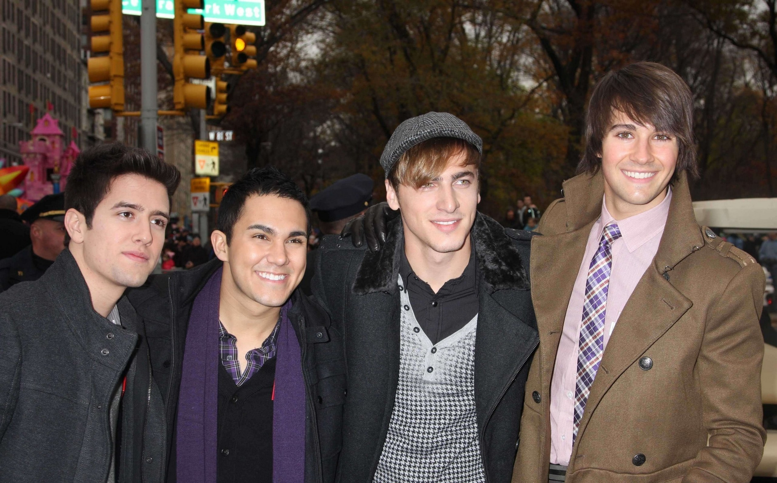 Big Time Rush images 84th Annual Macys Thanksgiving Day Parade 2560x1591