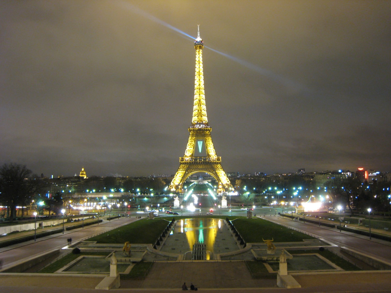 Paris Paris Eiffel Tower at Night 1600x1200