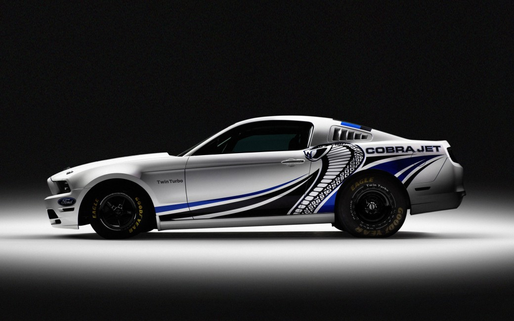 Ford Mustang Cobra Turbo Auto   Stock Photos Images HD 1040x650