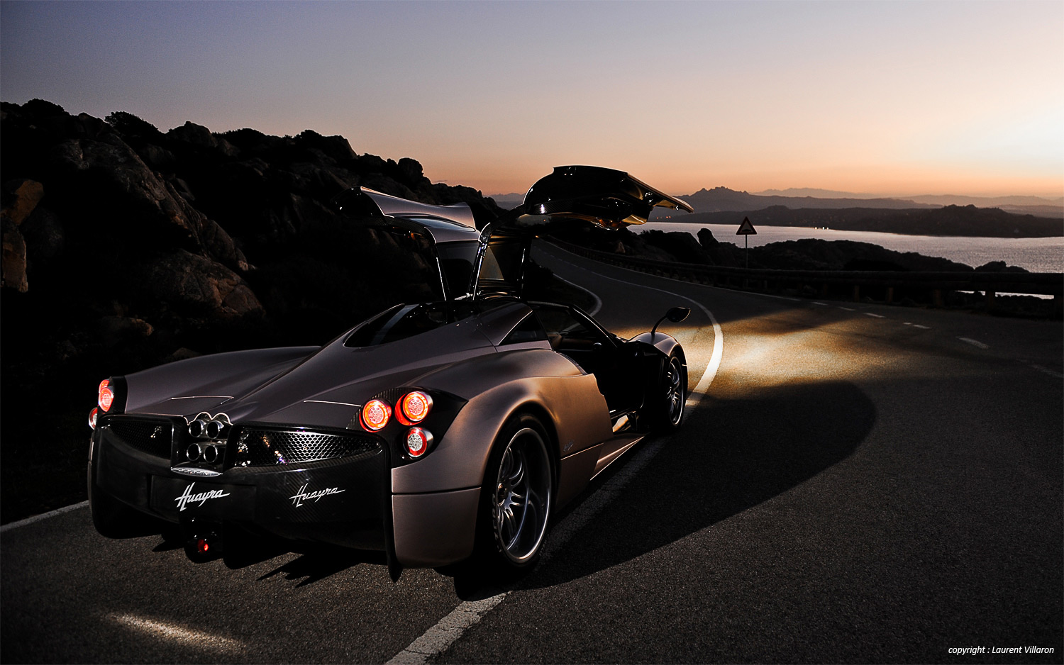 HDQ Cover Pagani Huayra Pictures for 1500x938