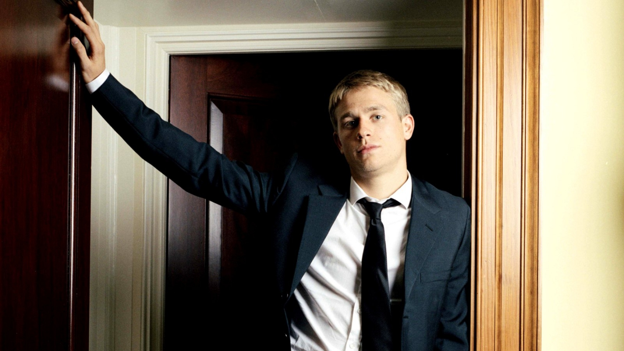 Charlie Hunnam Wallpapers High Resolution and Quality Download 2048x1152