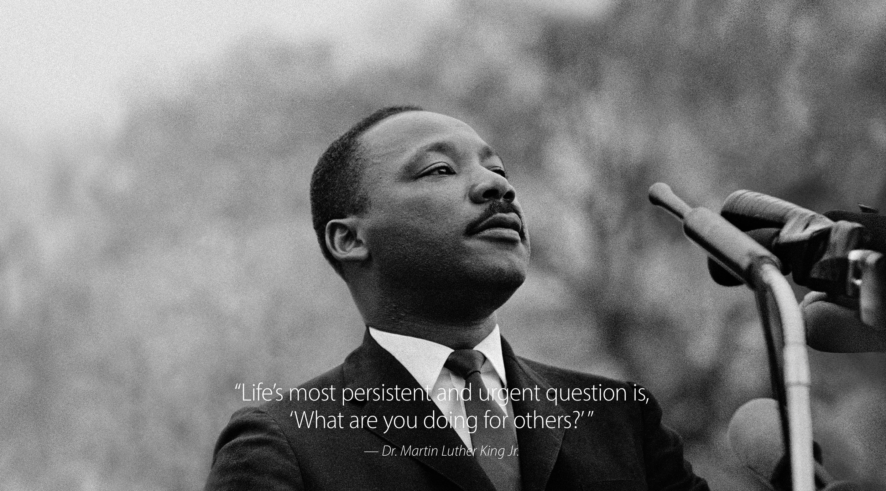 Get an Inspirational Martin Luther King Jr Quote Wallpaper from Apple 2828x1568