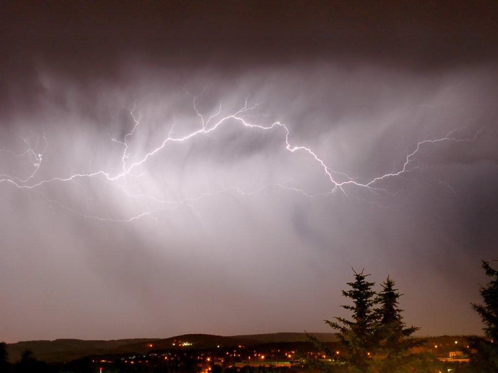 bestofluau sky lightning wallpapers hd 1024x768