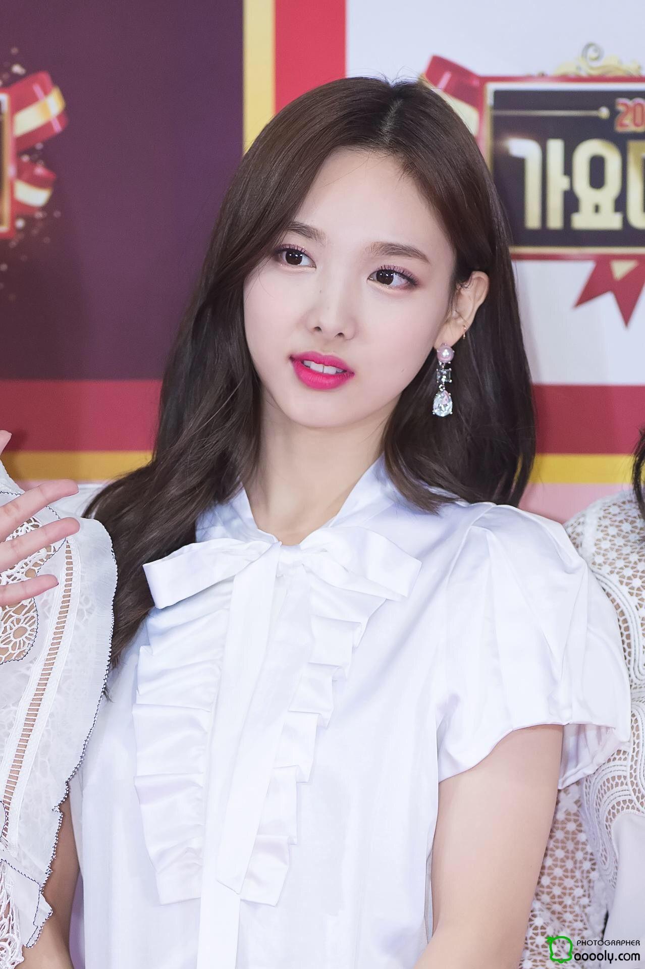 Nayeon phone wallpaper Nayeon Kpop girls Nayeon twice 1278x1920