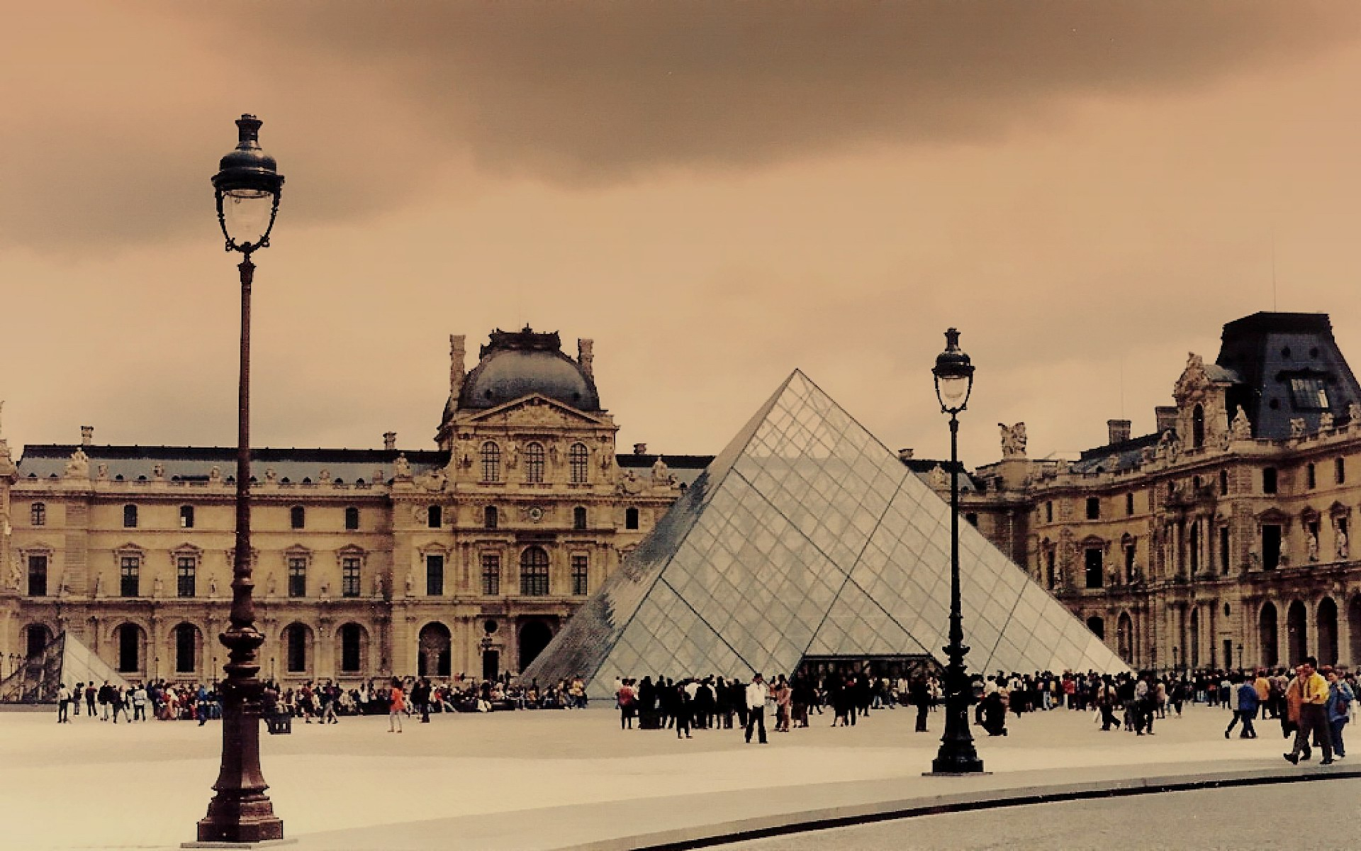15 Interesting Facts About The Louvre OhFact 1920x1200
