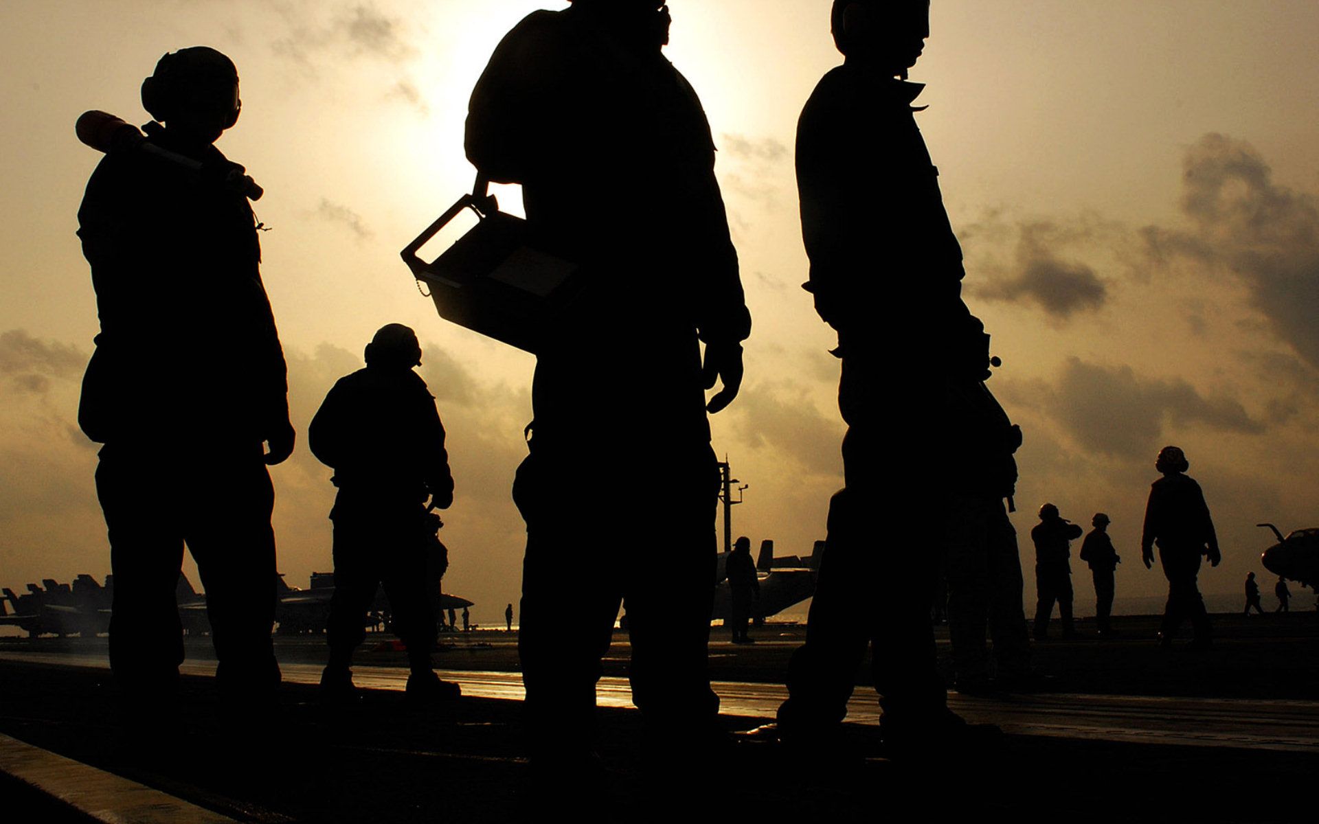 Warzone Soldiers Wallpaper Background 31677 1920x1200