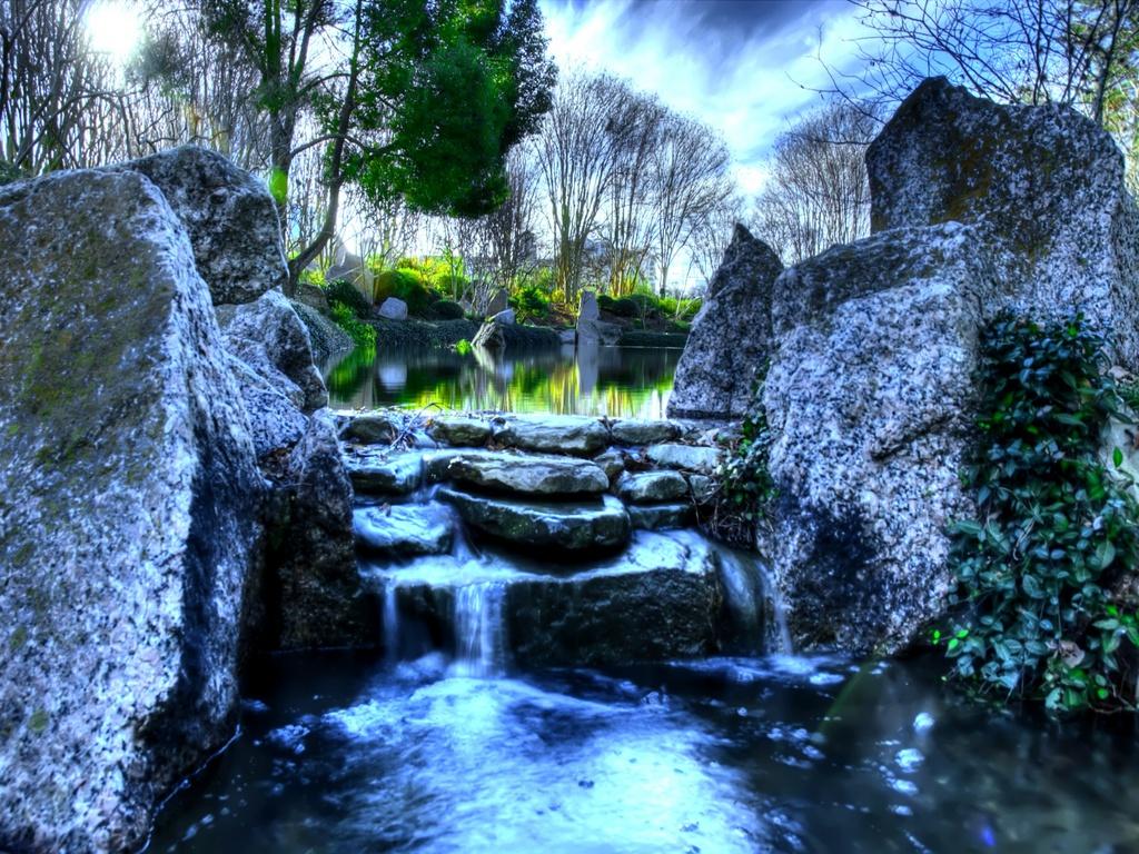 Live Wallpaper Waterfalls 1024x768