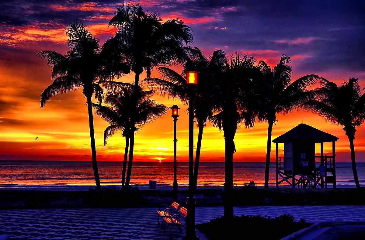 Cool HD Nature Desktop Wallpapers: Tropical Sunset Wallpaper HTML code