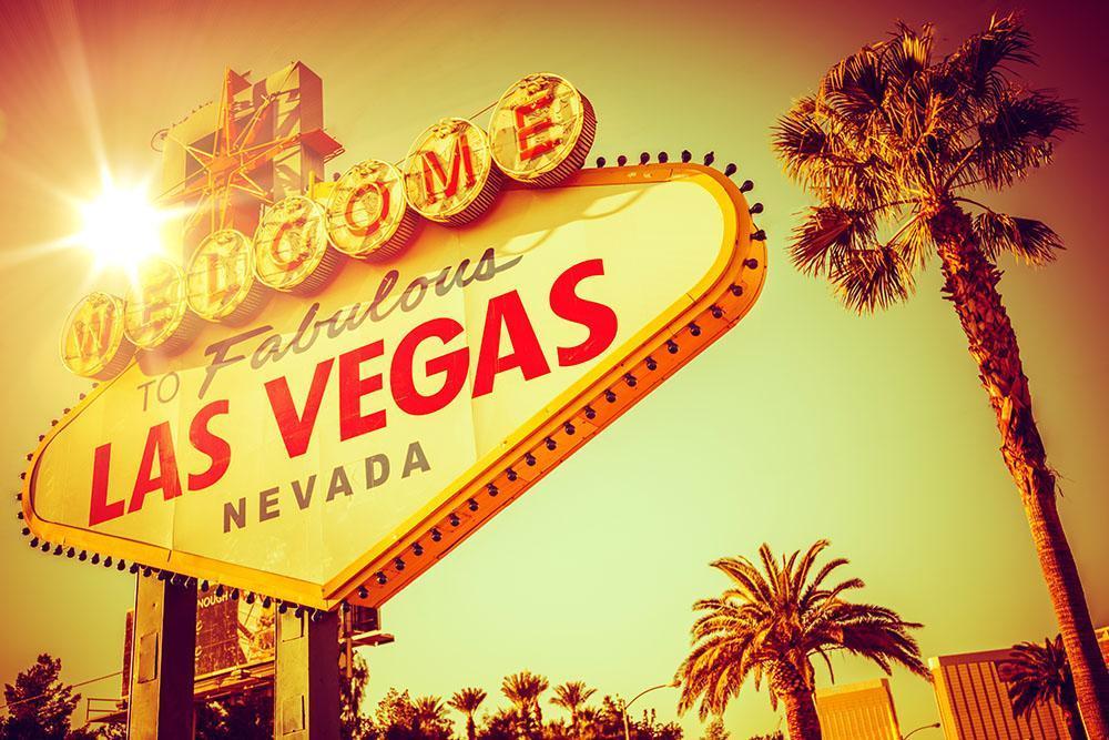 World Famous Las Vegas Nevada Vegas Strip Wall Mural Wallpaper 1000x667