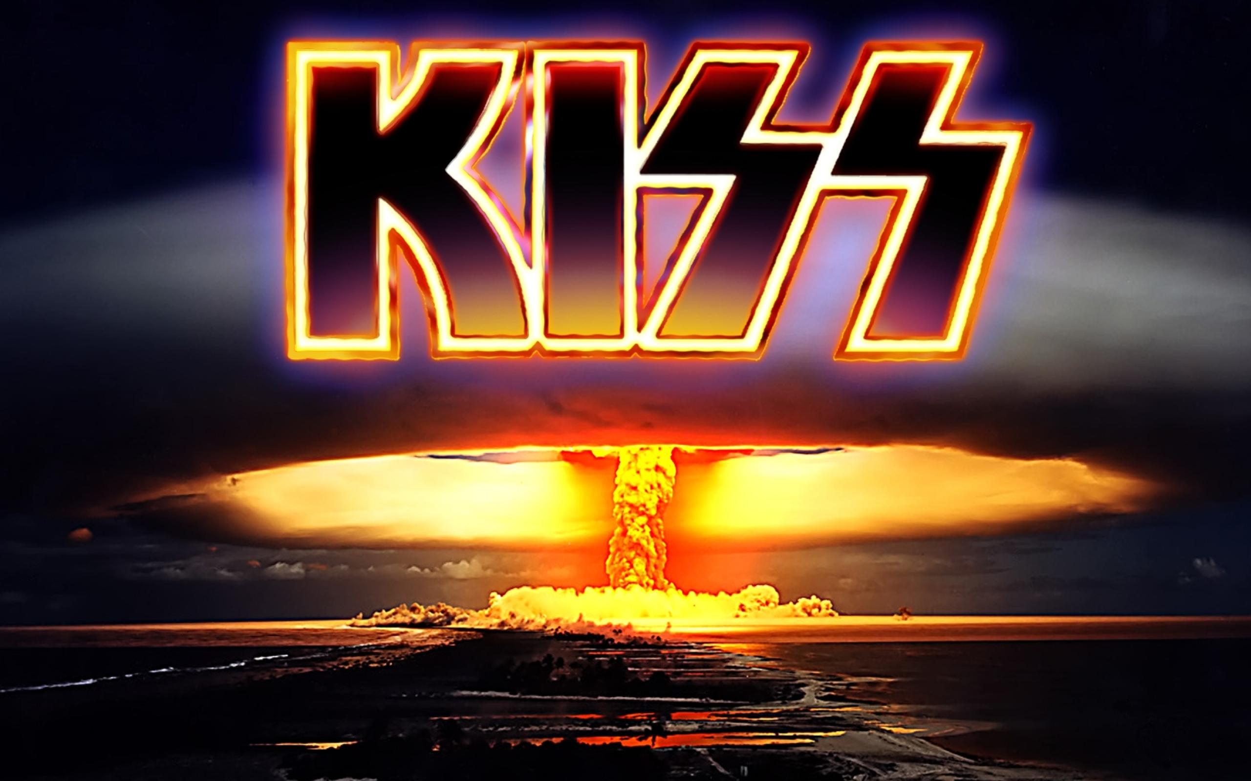 music kiss music band 1680x1050 wallpaper Entertainment HD Wallpaper 2560x1600
