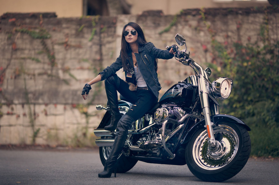 Sexy Beautiful Babe On Harley Davidson Motorcycle Wallpaper    Outlaw 900x599