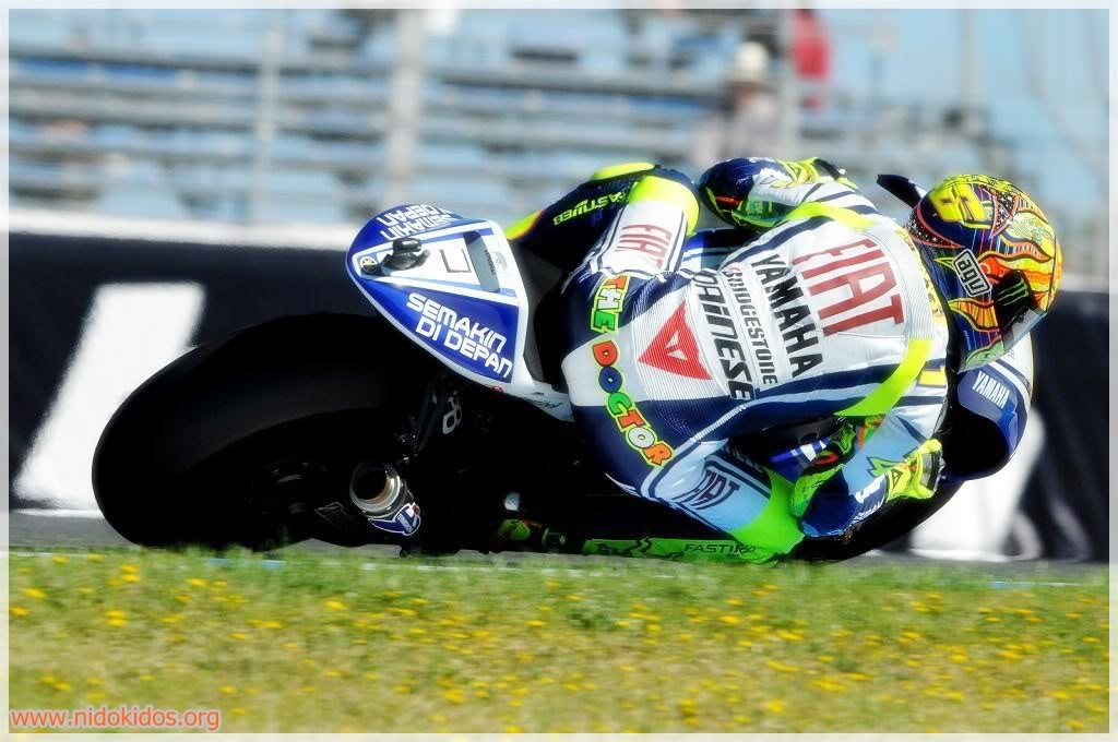 Valentino Rossi Wallpaper Yamaha - WallpaperSafari