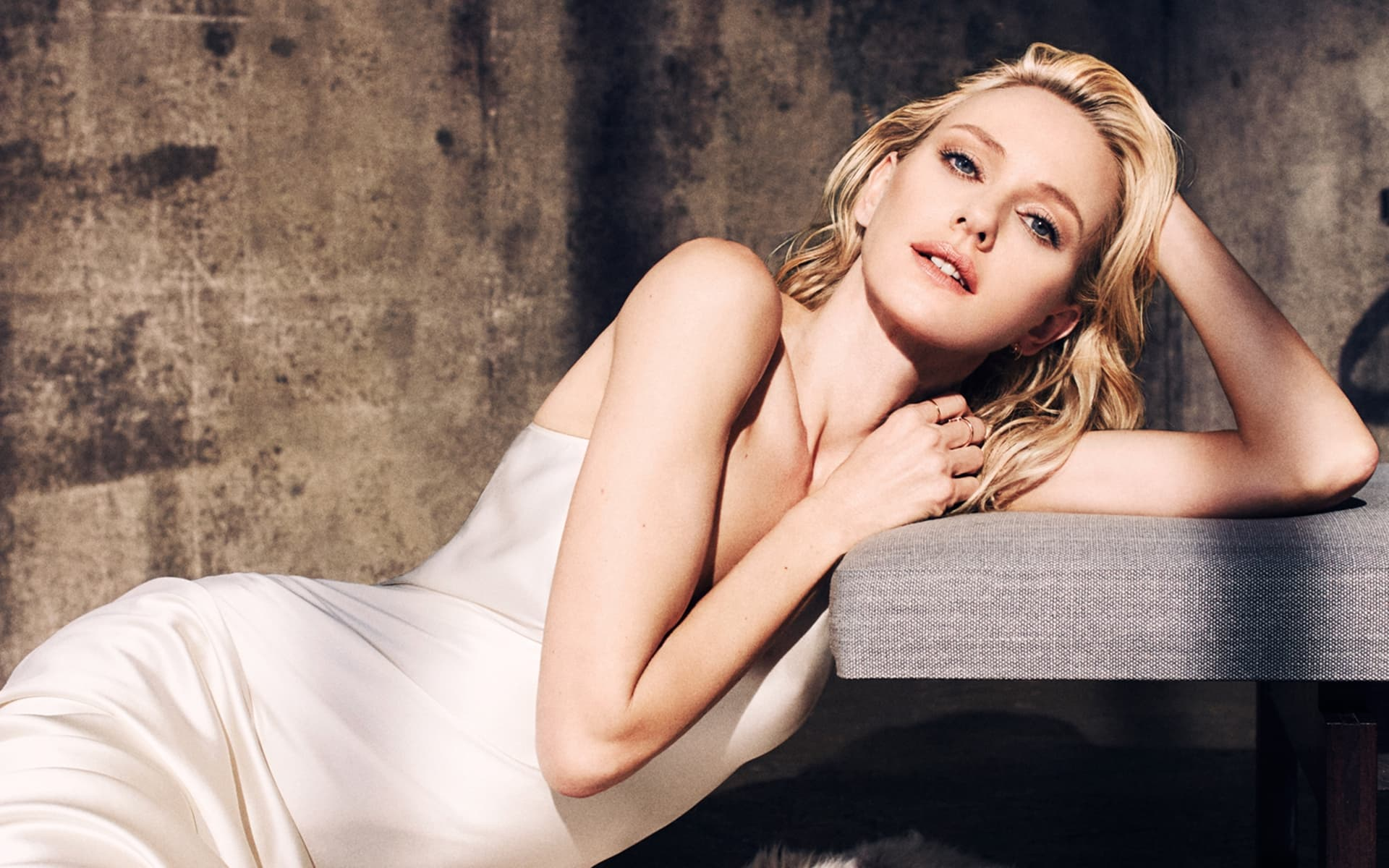 Naomi Watts Wallpapers High Quality Download 1920x1200