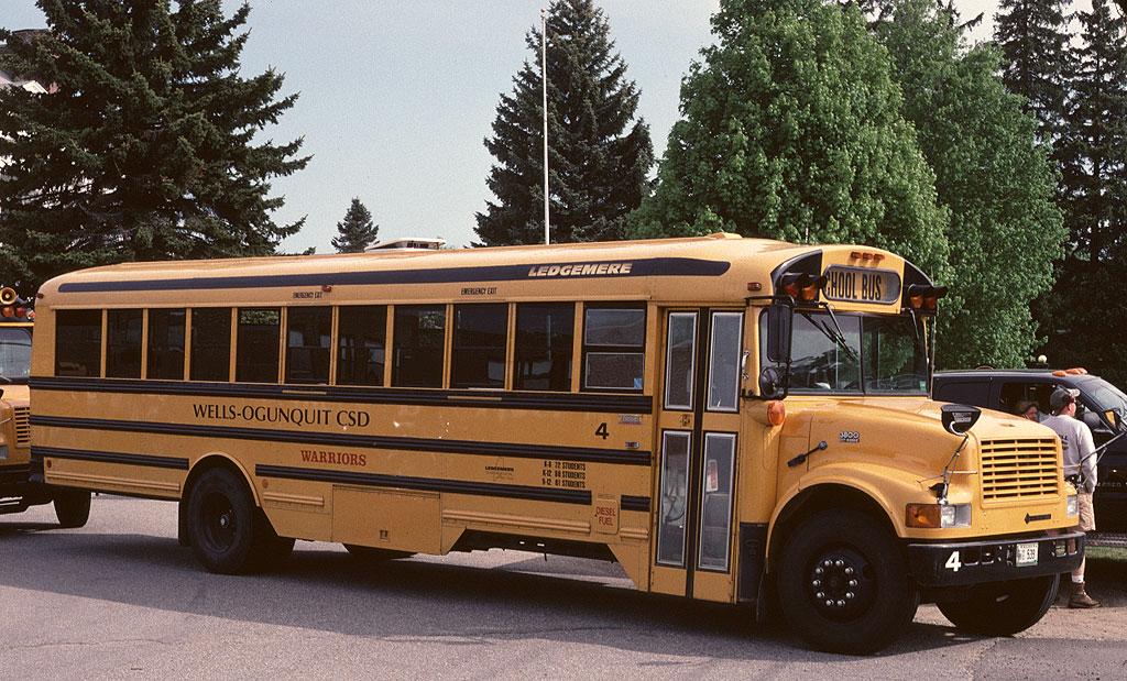 FileSchool Bus  Thomas   Ledgemere Transportation   4jpg   Wikipedia 1024x619