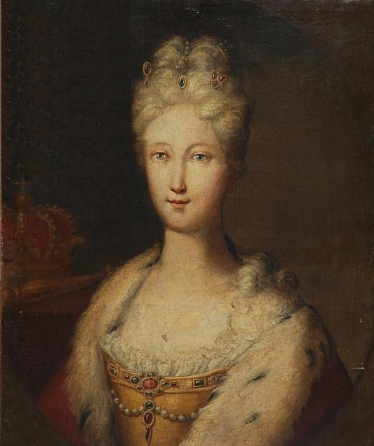 FileQueen Elisabeth Farnese of Spain with the Spanish royal crown in 535x638