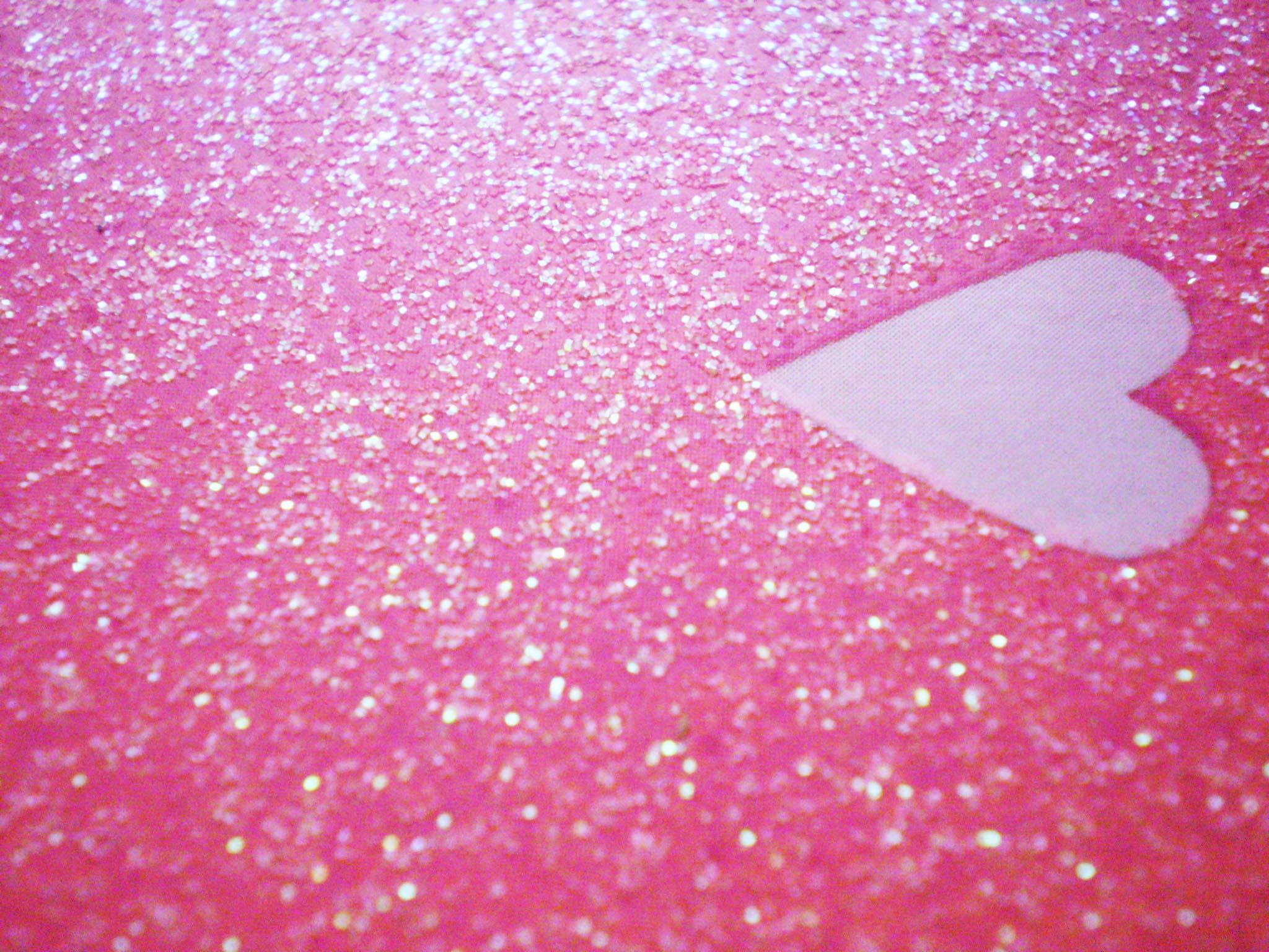 130588d1359526081 glitter heart glitter heart wallpaper photo 1024x768 2048x1536