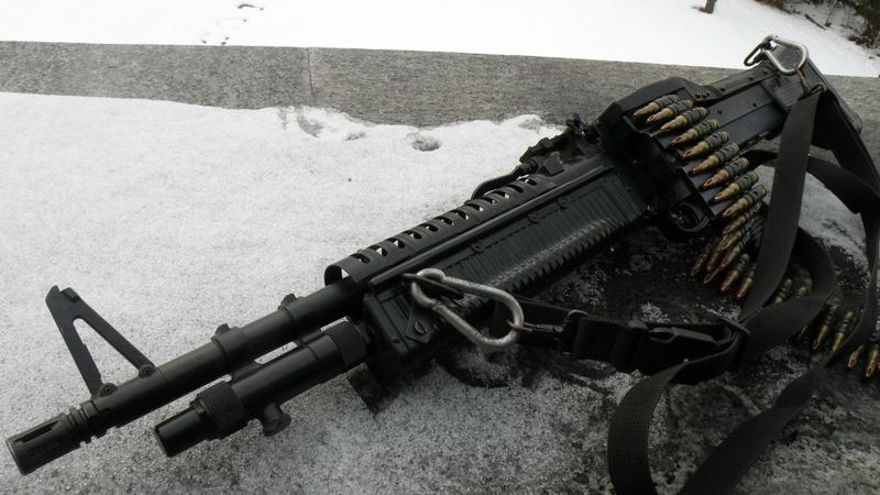 guns machine gun guns weapons light machine gun 2560x1440 wallpaper 800x450