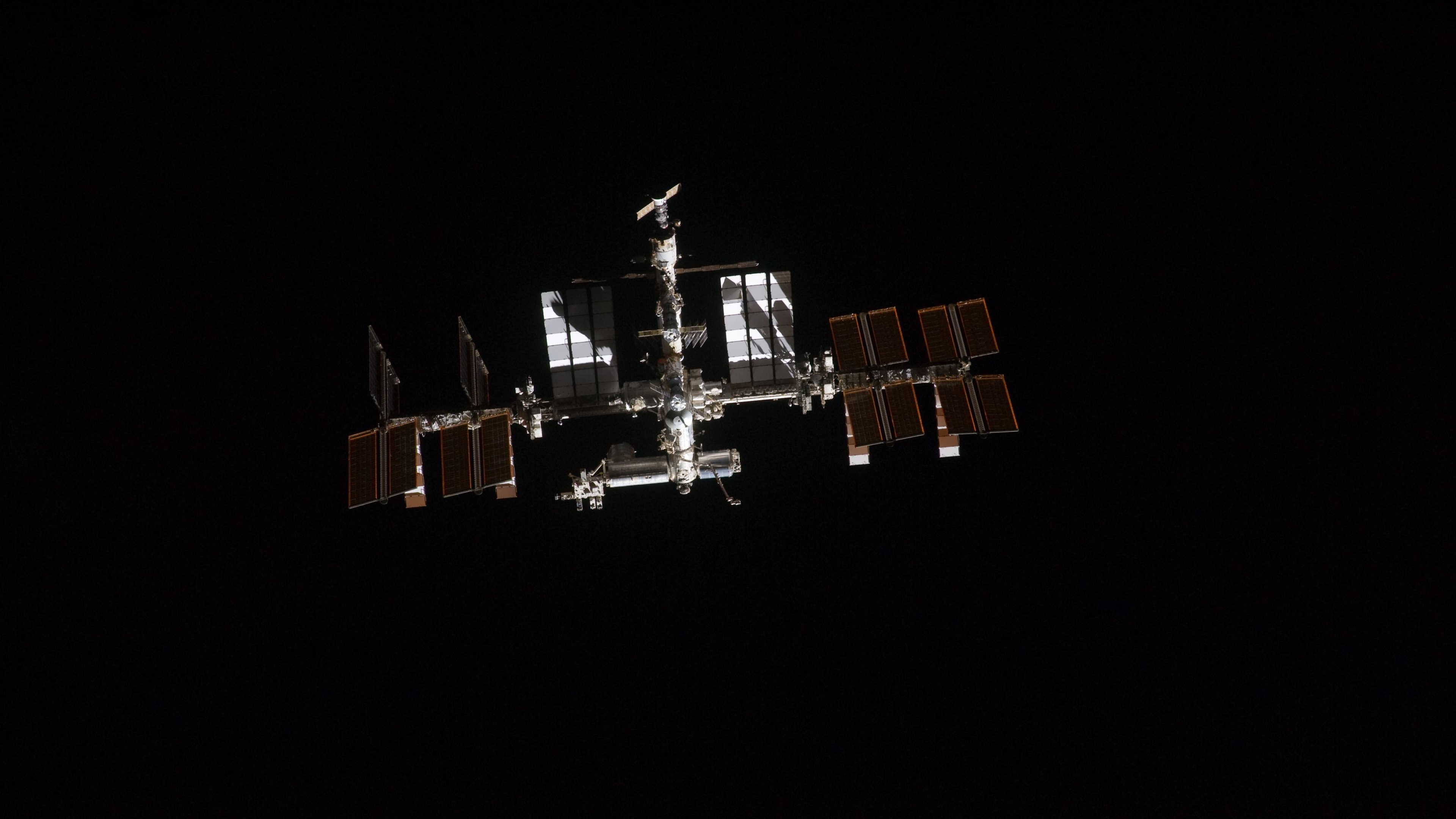 Iss Wallpapers Hd: Iss Wallpapers HD