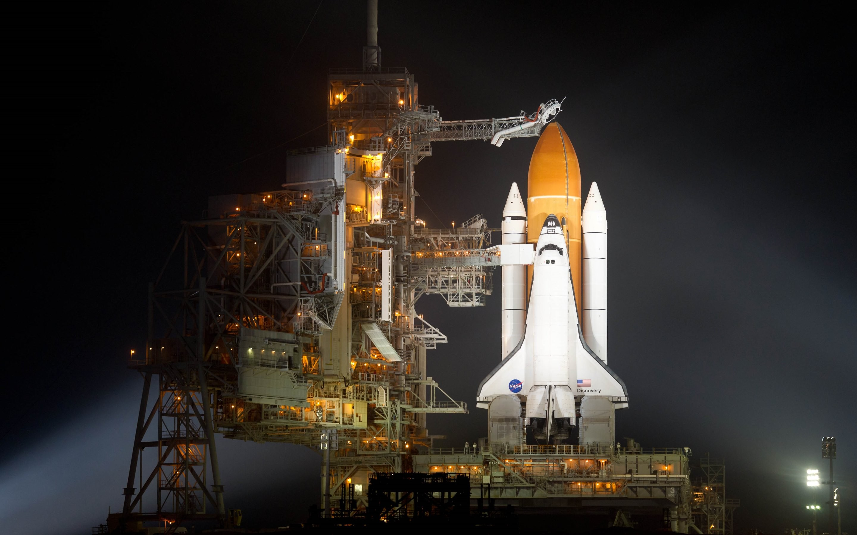 Space Shuttle Discovery Wallpapers and Background Images   stmednet 2880x1800