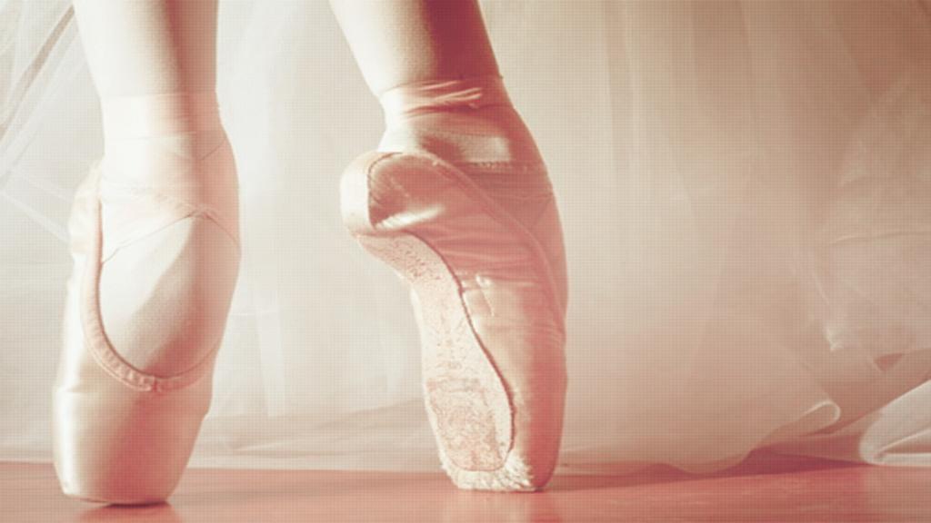 Pink Ballet Wallapaper by tutorialescremita 1024x576